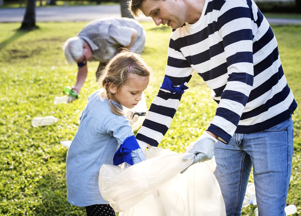 kids cleaning park earth day activity
